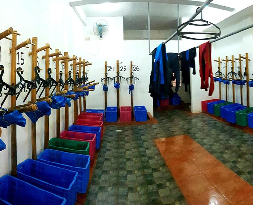 Wetroom Dive Society Malapascua